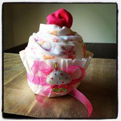 Receiving blanket + Onesie Cupcake #diy