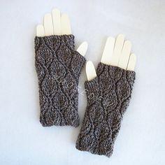 Leafy fingerless mitts - crochet
