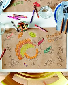 GREAT kids table thanksgiving ideas.