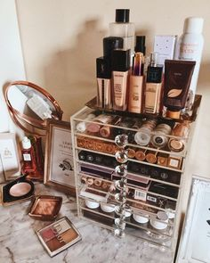 Genius makeup organization ideas for bathrooms, bedroom, small spaces, vanity and more. DIY makeup organization, dollar store ideas and the best makeup storage solutions for small spaces. Diy Makeup Organizer, Make Up Organizer, Makeup Storage Organization, Make Up Storage, Diy Storage, Storage Ideas, Make Up Organization Ideas, Acrylic Makeup Organizers, Organization Ideas For Bedrooms