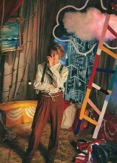David Bowie, Never Let Me Down, Tv Show Music, Toni Braxton, Aesthetic People, Instagram Fashion, Instagram Posts, Amy Winehouse, David Jones