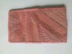 색실누비 카드지갑 : 네이버 블로그 Bamboo Cutting Board, Pot Holders, Card Holder, Quilts, Cards, Rolodex, Hot Pads, Potholders, Quilt Sets