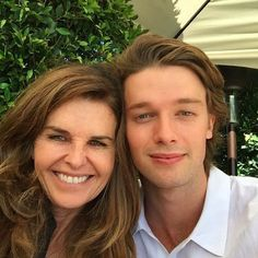 Patrick Schwarzenegger Graduates From USC With His Parents By His Side - http://oceanup.com/2016/05/16/patrick-schwarzenegger-graduates-from-usc-with-his-parents-by-his-side/