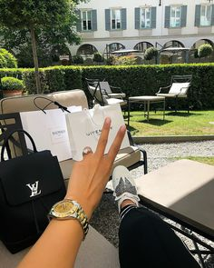 Sugar baby lifestyle Looking for sugar daddy or sugar baby in your area Join us match your partner now Boujee Lifestyle, Luxury Lifestyle Fashion, Luxury Fashion, Sugar Baby, Sugar Sugar, Pink Sugar, Sugar Rush, Brown Sugar, Sugar Free