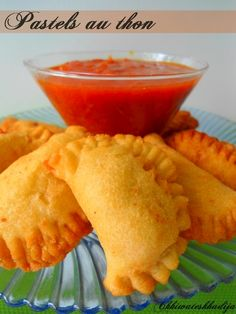 Pastels thon Empanadas, Plats Ramadan, Savory Tart, I Love Food, Street Food, Coco, Meal Prep, Entrees, Food And Drink