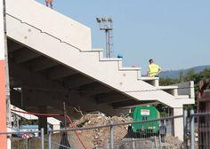 Na fotbalovém stadionu vyroste nová hlavní tribuna s prostory pro fotbalisty, VIP, krajní tribuny se sociálním zázemím pro diváky, provozní prostory, divácký sektor, nové pokladny, vnitřní a vnější oplocení, občerstvení a další vymoženosti. Fair Grounds, Fun, Travel, Viajes, Destinations, Traveling, Trips, Hilarious