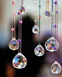 Hanging crystals - north east of room Bead Crafts, Diy And Crafts, Carillons Diy, Sun Catchers, Motifs Perler, Diy Wind Chimes, Hanging Crystals, Beaded Curtains, Simple Pleasures