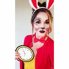 White rabbit, Alice in Wonderland Alice In Wonderland Fancy Dress, Alice In Wonderland Makeup, Alice In Wonderland Rabbit, Wonderland Costumes, Halloween Costumes For Work, Awesome Costumes, Disney Halloween, Halloween Kids, Costume Ideas
