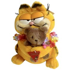 1981 Garfield The Cat Hawaii Holding Pooky Bear im Davis Plush Stuffed Animal By Dankin with Original Tag Garfield Cartoon, Garfield And Odie, Create A Comic, Stuffed Animal Cat, Cat Crafts, Partners In Crime, Toot, Plush Animals, Hang Tags