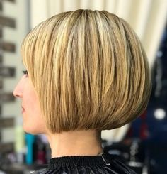 Rounded Jaw-Length Bob with Accurate Edges Inverted Bob Hairstyles, Haircuts For Fine Hair, Short Bob Haircuts, Medium Hairstyles, Braided Hairstyles, Wedding Hairstyles, Layered Haircuts, Short Hair Cuts, Short Hair Styles