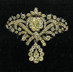 Joalharia Portuguesa no Século XVIII, A joalharia, joalharia portuguesa, joalharia antiga, jóias antigas, valor das jóias antigas, jóias do século XVII.