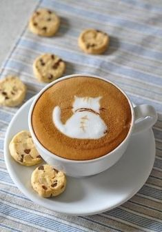 Great ways to make authentic Italian coffee and understand the Italian culture of espresso cappuccino and more! Cappuccino Art, Coffee Latte Art, Coffee Cafe, Coffee Drinks, Hot Coffee, Iced Coffee, Pause Café, How To Make Coffee, Making Coffee