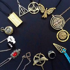 harry potter, book, and shadowhunters image Images Harry Potter, Harry Potter Tumblr, Harry Potter Outfits, Harry Potter Fandom, Harry Potter World, Harry Potter Schmuck, Bijoux Harry Potter, Objet Harry Potter, Book Jewelry