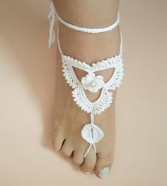 Hey, I found this really awesome Etsy listing at https://www.etsy.com/ru/listing/266191604/crochet-bridal-white-barefoot-sandals