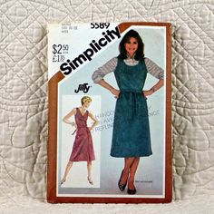 Jumper Simplicity 5589 Pattern for Women by DartingDogPatterns