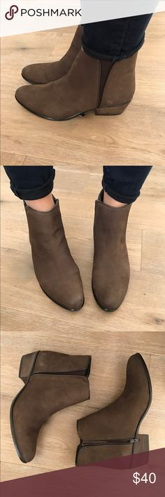 NWOB Steve Madden Nytroo Bootie Size 10 NWOB Steve Madden Nytroo Bootie Size 10.  Classic Chelsea bootie gets a Western update from a notched topline and a burnished leather finish. An almond toe and stacked heel further the rugged appeal. Steve Madden Shoes Ankle Boots & Booties
