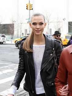 Karlie Kloss looking lovely!