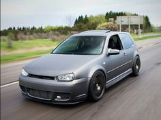 What if you could cut trough the chase, save time and money with your Golf, Jetta, GTI and and discover your best tuning options? Golf Mk4 R32, Vw R32, Volkswagen Golf, Golf Crafts, Slammed Cars, Kids Golf, Womens Golf Shoes, Tuner Cars, Audi Tt