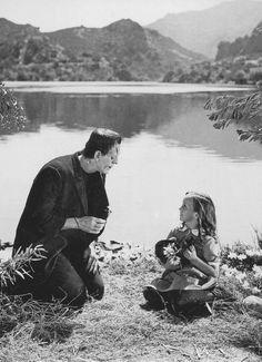Hermosa escena de Frankenstein. Película dirigida por James Whale y basada en el relato de Mary Shelley.