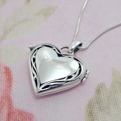 Engraved Heart Locket Necklace 925 Sterling Silver, Personalized Photo Locket, Mother's Day gift, Initial Necklace, Locket Pendant, For Mom