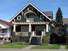 Craftsman style home plans are very popular worldwide. Incorporating natural elements makes a craftsman home simple yet elegant. Find ideas to make the most of your bungalow or craftsman home. Craftsman Exterior, Craftsman Style House Plans, Craftsman Bungalows, Craftsman Homes, Exterior Paint, Style At Home, Bungalow Homes, Art Nouveau, Second Empire