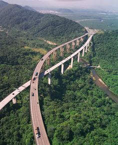 Drive over the trees on the Rodovia Dos Imigrantes Highway in Brazil