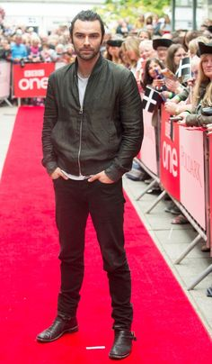 Aidan Turner and Poldark stars all-smiles as they attend series 2 screening in…