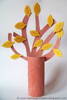 tree from toilet paper roll Preschool Crafts, Diy Crafts For Kids, Projects For Kids, Arts And Crafts, Toilet Roll Craft, Toilet Paper Roll Crafts, Cup Crafts, Tree Crafts, Autumn Crafts