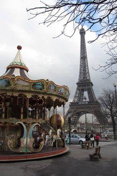 PARIS / Le carrousel du Trocadéro