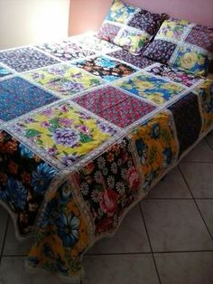 Ideas Crazy Quilting Projects Wall Hangings For 2020 Big Block Quilts, Quilt Blocks, Rag Quilt, Patch Quilt, Modern Log Cabins, Hexagon Quilt, Quilt Patterns Free, Easy Quilts, Bed Covers