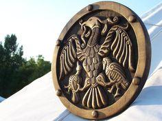 A Tűz Ünnepe - I. Budapesti Jurta Találkozó: Turul, mint nemzetségi szimbólum 2 Viking Shield, Draco, Homeland, Budapest, Vikings, Feathers, Celtic, Medieval, Diy And Crafts