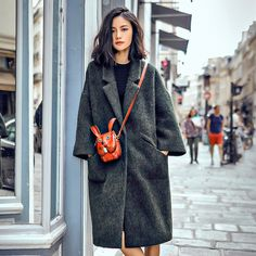 AUDREY WANG 16 years of autumn and winter the new European and American wind green Merino wool profile coat coat is