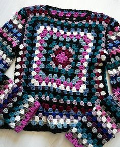 It's nice. Hippie Style Clothing, Hippie Outfits, Gypsy Clothing, Gypsy Style, Granny Square Crochet Pattern, Crochet Granny, Crochet Patterns, Female Pirate Costume, Pirate Costumes