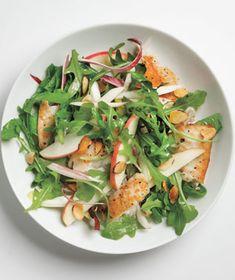 Talapia salad with arugula, apple & almond