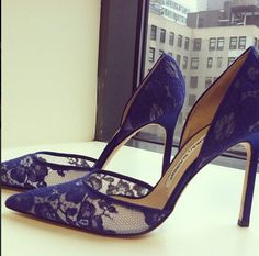 Our favorite kind of blues... #manoloblahnik #lace #blues