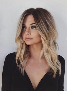 11 totally trendy layered bob hairstyles fr 2019 frisuren haar haarschnitt f frisuren haarschnitt hairstyles layered totally trendy 55 mittlere lnge haarstyles fr dickes haar Layered Bob Hairstyles, Pretty Hairstyles, Summer Hairstyles, Amazing Hairstyles, Hairstyles For Women, Women Haircuts Long, Going Out Hairstyles, Hairstyle Ideas, Lob Hairstyle