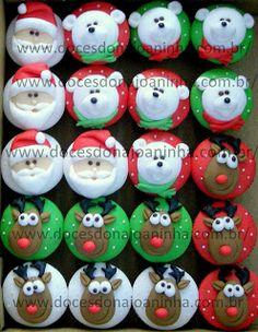 Cupcakes e mini cupcakes decorados para o Natal: Papai Noel, Rena e Urso Polar. Christmas cupcakes: Santa, Reindeer and polar bear