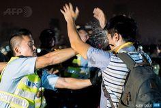 Alex Ogle's Iconic Shots of the Umbrella Movement, Part 2/2 #umbrellarevolution