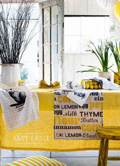 A charming yellow brunch