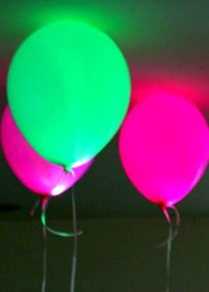 Glow in the Dark Party Ideas. Put LED's or glow sticks in your balloons to make them glow [not neon, but don't know where else to put this] Glow Party, Glow In Dark Party, Neon Birthday, 13th Birthday Parties, Halloween Birthday, 16th Birthday, Birthday Ideas, Sleepover Party, Slumber Parties