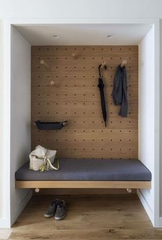 Storage Room In the foyer, the designers turned a closet into a valet area. The … Storage Room In the foyer, the designers turned a closet into a valet area. The bench is upholstered in fabric by Knoll. Interior Architecture, Interior And Exterior, Interior Design New York, Apartment Entrance, York Apartment, Apartment Design, Micro Apartment, Apartment Interior, Entryway Organization