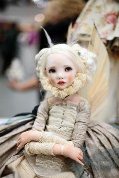 [изображение] [изображение] 88 картинок с десятого Салона кукол на Тишинке. кто еще не был, рекомендую .) выставка до вечера воскресенья красивых работ много забавной фигни тоже навалом .) [из... — черчето-мобиле