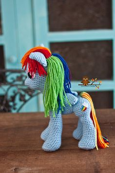 Crochet Pony Amigurumi, if I only knew how to crochet this good. I want one :) even a Twilight Sparkle one please and thank you
