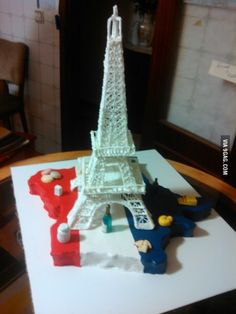 I made my self  the tower Eiffel is all in sugar