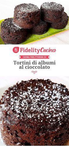 Tortini di albumi al cioccolato