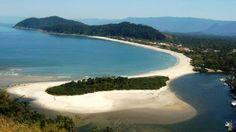 O encontro do Rio Itaguaré com o Mar.
