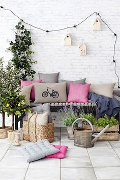 Consider Your Colour Scheme - Garden Design Ideas - Garden Ideas (houseandgarden.co.uk)