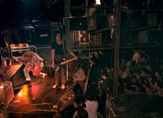 Experiencing Nirvana: Grunge in Europe, 1989