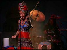 Erykah Badu - Tyrone (Live) ....you betta' call him, help you get your s*%t
