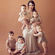 Check out beautiful photos of a mother & her adorable quintuplets Beautiful Family, Beautiful Children, Beautiful Pictures, Cute Kids, Cute Babies, Baby Kids, Romantic Mood, Girl Falling, Family Goals